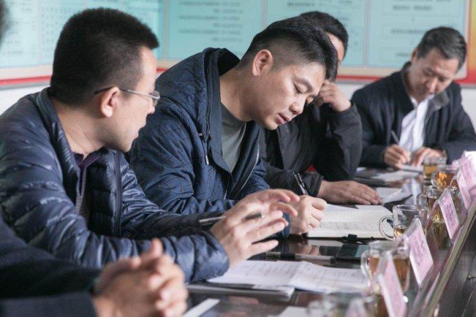 两会后刘强东再赴平石头村 这次他有什么新打算?